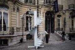 艾菲尔铁塔古董螺旋梯 17万欧元拍出