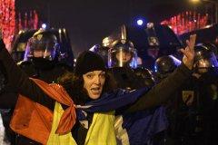 跨年夜维安 巴黎动员1万2000名警力
