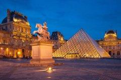"""三万欧元可""""包场""""夜游法国巴黎卢浮宫"""