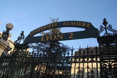 """三所法国大学反对给留学生""""涨价"""""""